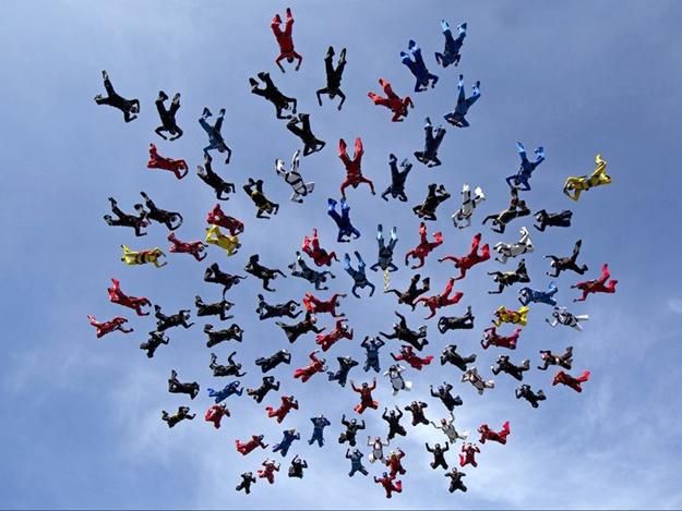 парашутисти встановили світовий рекорд