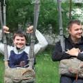 Першоразники під час підготовки до стрибка з парашутом